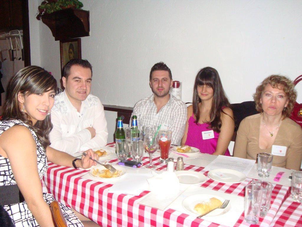 fundraiser2011-04-08-17