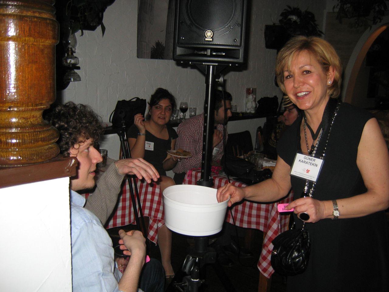 fundraiser2011-04-08-7