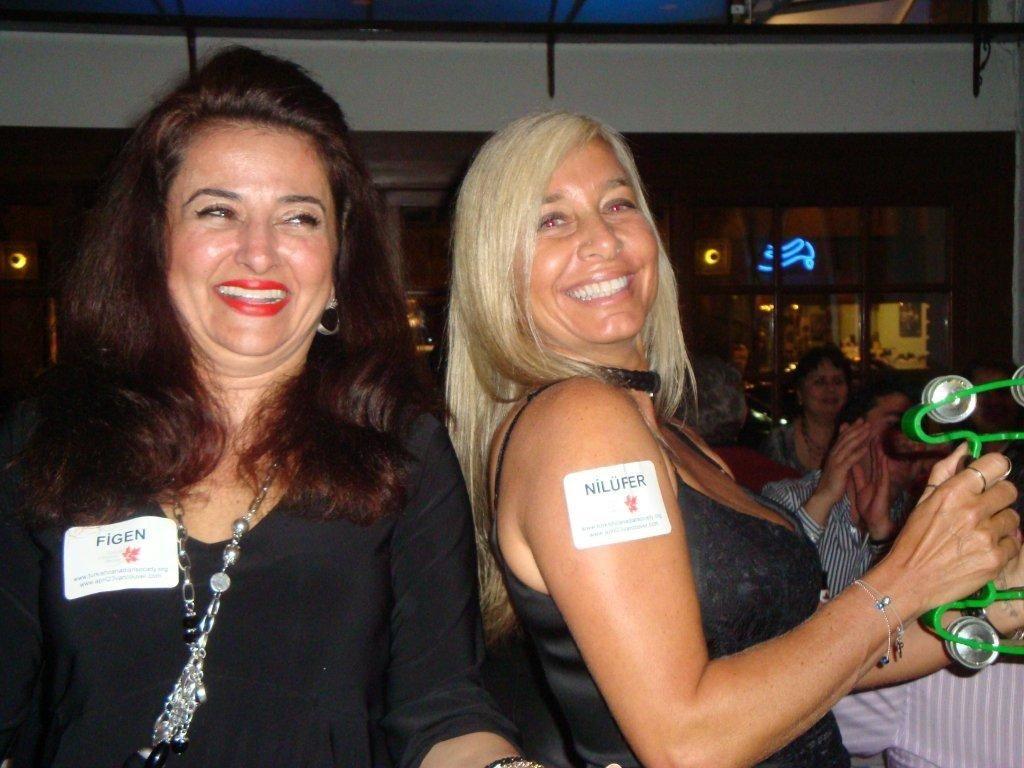 fundraiser2011-04-08-32